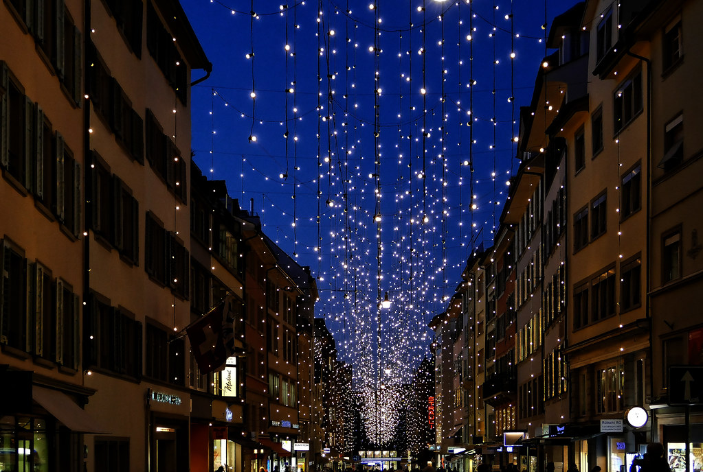 The World\'s Best Photos of bahnhofstrasse and weihnachtsbeleuchtung ...