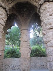 "Columnas en el Parque Güell • <a style=""font-size:0.8em;"" href=""http://www.flickr.com/photos/78328875@N05/23256388476/"" target=""_blank"">View on Flickr</a>"