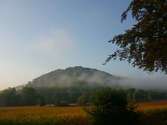 Morgennebel (Jrg Paul Kaspari) Tags: luxembourg land sauer sauertal nebel mist fog morgennebel landschaft landsape hgel berg mountain diekirch