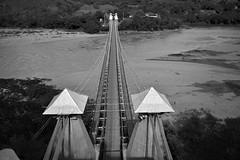 Puente de occidente, Santafe de Antioquia (Juan David Bastidas Blanco) Tags: colombia antioquia puente bridge blancoynegro blackandwhite paisaje landscape