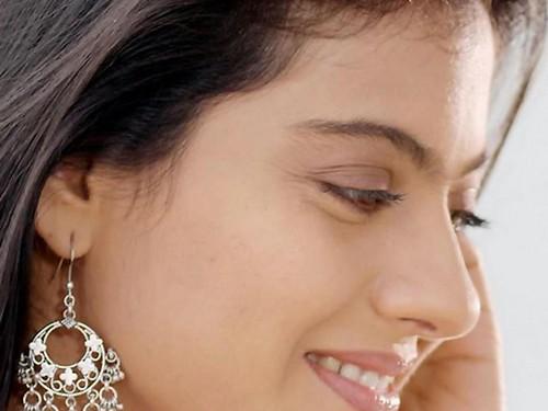 beautiful_and_smile_face_of_hindi_movie_actress_kajol_hd_photo