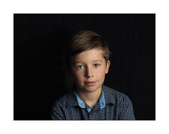 Thomas (Istvan Penzes) Tags: penzes hasselblad503cw hasselbladcfv50c mf digital manualfocus iso100 makroplanar4120mm elinchrom quadrahs rotalux70x70cmsoftbox thomas family child