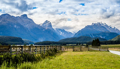 Isengard (quiltershaun) Tags: new zealand south island nikon lord rings fence nature