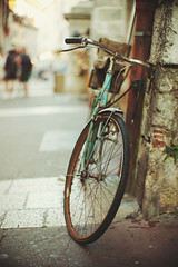 Instinctive prudence (Sator Arepo) Tags: street leica urban france annecy bike bicycle wheel 50mm europe bokeh parking rusty rangefinder f1 noctilux m9