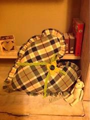Semplicit... (Millidea - Il mio cucito creativo fatto a mano) Tags: casa runner cuori cucina tende cuscini cucitocreativo