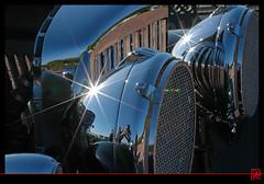 Le soleil dans les chromes de la calandre de Bentley (mamnic47 - Over 5 millions views.Thks!) Tags: reflets bentley chromes suresnes journesdupatrimoine voituresanciennes img3199 20092015 suresnesautortro journesdupatrimoine2015 journesdupatrimoineautortro bentleysportssaloon1936