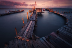 SUNRISE IN CARRASQUERIA (sgsierra) Tags: wood río river puerto boat madera agua barco amanecer setubal sado carrasqueira watter surise pordugal