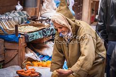 Selling on the street (FM Photographer) Tags: africa fez medina marroc mercadomarket feselbali viejooldman ancianoelderly zocosouk