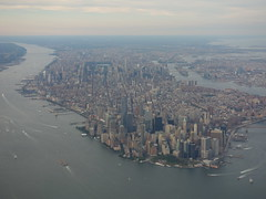 201609264 AC720 YYC-LGA New York City (taigatrommelchen) Tags: 20160835 usa ny newyork newyorkcity nyc manhattan river eastriver hudson icon city building skyline aerial view photo airplane inflight aca explore
