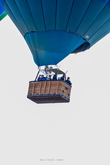 Balloon Fiesta 2016 | Big Basket | Morning Ascension, 06:26AM (Facundity) Tags: aibf albuquerqueinternationalballoonfiesta balloonfiesta2016 albuquerque hotairballoons eventphotography morningascension balloonfiestapark color baskets bucketlist rainbowryders newmexico outdoors balloonistas canon5dmkiv ef70200mmf4lisusm