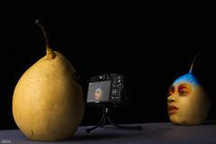 Pears' Photography Session (Saad Al Hamady Photoshot) Tags: camera pears photography photoshop session tripod photographer