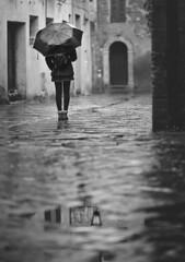 November Days (Gure Elia) Tags: blackwhite blancoynegro bn paragas umbrella rain rainyday lluvia november noviembre toscana village pueblo villaggio back girl door dreamy italy samyang135f2 canoneos5dmarkii dof pdc