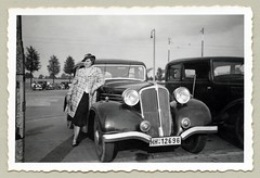 Renault Vivastella (Raymondx1) Tags: vintage classic black white blackwhite sw photo foto photography automobile car cars motor vehicle antique auto lady girl woman fashion skirt coat checkeredcoat twotoneshoes silkstockings handbag purse renault vivastella renaultvivastella typeacr2 1930s thirties