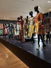 Vlisco Designs (Rachel Strohm) Tags: philadelphiamuseumofart africa africanart creativeafrica vlisco kitenge waxprint cloth pattern patterns design fashion couture
