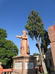 Monument at Templo del Oratorio de San Felipe Neri, San Miguel de Allende, Mexico (Paul McClure DC) Tags: sanmigueldeallende mexico bajo guanajuato nov2016 church historic sculpture