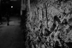 Voodoo Moon (stefankamert) Tags: stefankamert voodoo moon bw sw baw noir noiretblanc wall dof bokeh monochrome mono alienskin exposure street fujifilm fuji x100 x100s mirrorless blur highiso highcontrast night black