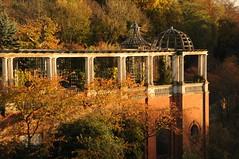 Pergola (Suzanne Hamilton) Tags: autumn hampsteadheath pergola