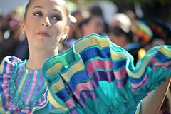 As se baila (Ivn Valadez) Tags: mxico desfile 20denoviembre mujeres bailando nikon revolucionmexicana