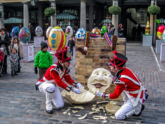 All the King's horses... (david_stanfield.perth) Tags: london garden covent humpty dumpty