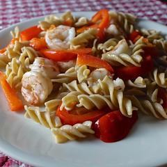 piatto della pasta (The Marmot) Tags: food flickr shrimp pasta italianfood bellpepper ordinary foodphotography italiancooking foodfriday x100s