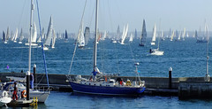 Round the Island Race (Andy Latt) Tags: sailboat race sailing yacht racing finepix isleofwight fujifilm yachting andylatt roundtheislandrace rtir 0081 hs20exr