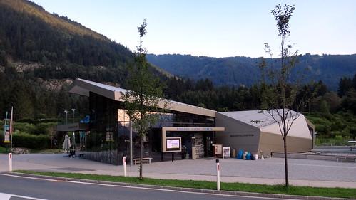 Wasserfallzentrum