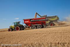 Claas Lexion 780 TT (Deschamps productions) Tags: tractor wheat grain harvest 25 combine cart terra harvester rz tracteur trac moisson bl claas lexion 780 batteuse 946 atles transbordeur moissonneuse perard interbenne