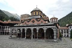2015_Rila_4385 (emzepe) Tags: church court kirche courtyard monastery rila glise augusztus bulgarie templom udvar 2015 bulgarien nyr bels     bulgria kolostor rilai