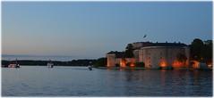 Vaxholms Fstning - Sweden (lagergrenjan) Tags: sweden bt fstning belyst vaxholms