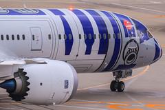 ANA Star Wars Project R2-D2 Boeing 787-9 Dreamliner JA873A (yinlei) Tags: project star ana r2d2 wars boeing dreamliner 7879 ja873a