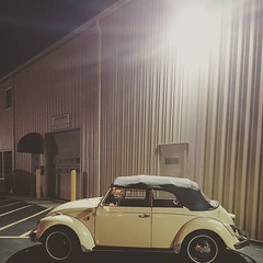 Waiting for day light. ... #vordermanvw #beetle #vwlove #vw #ragtop (reg.vorderman) Tags: volkswagen vorderman vordermanvolkswagen httpvordermanvolkswagencom