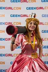 GeekGirlCon 2015 Photo Booth - 0039 (GeekGirlCon) Tags: seattle washington october photobooth geek conferencecenter alienbees geekgirlcon fujixpro1 fuji35mmf14 ggc15 ggc2015
