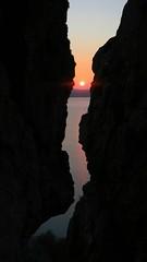 Crack (lvaro Corts Grande) Tags: sunset mountain canon atardecer climb powershot climbing montaa ocaso escalada