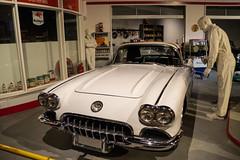 fill 'er up! (vynsane) Tags: kentucky ky corvette nationalcorvettemuseum bowlinggreenky