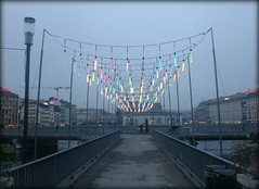 Misty Christmas in Geneva, Switzerland (Wagsy Wheeler) Tags: christmas bridge light mist fog river lights switzerland suisse geneva geneve swiss rhne murky lakegeneva rhone lacleman murk suiss