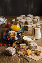 IMG_9230_exp (Helena / Rico sin Azcar) Tags: lamington vanilla vainilla mermelada chocolate jam coconut coco australia bizcocho