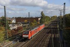 DB Cargo 189 070-6 + 189 027-6 als losse locs uit de richting Oberhausen bij aankomst in station Emmerich 29-10-2016 (marcelwijers) Tags: db cargo 189 0706 0276 als losse locs uit de richting oberhausen bij aankomst station emmerich 29102016 siemens 070 027 deutsche bahn bahnhof grenzbahnhof deutschland germany duitsland nrw nordrhein westfalen