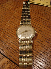 "HEAVY MEN'S 14K GOLD HAMILTON WRISTWATCH. • <a style=""font-size:0.8em;"" href=""http://www.flickr.com/photos/51721355@N02/30171908432/"" target=""_blank"">View on Flickr</a>"