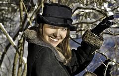 Women world 209 (maggiolonegiallo) Tags: hdr maggiolonegiallo girl neve snow