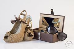 Bodegon (dominicaripoll) Tags: bodegon gafas caja tacones estudio mesa joyeria producto iluminacion