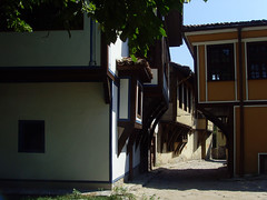 Old Plovdiv, Bulgaria - National Revival period architecture (johnnysenough) Tags: 62 oldplovdiv nationalrevivalperiodarchitecture plovdiv bulgaria bălgarija bulgarie bulgarien centraleurope пловдив 18th19thcentury balkanarchitecture historical travel vacation 100citiesx1trip snv37687