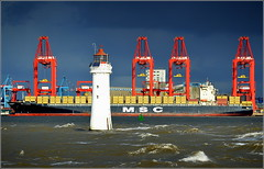 Officially Opened Today (Port of Liverpool)  Liverpool Two Deep Water Container Terminal (Peel Ports) 4th November 2016 (Cassini2008) Tags: liverpooltwodeepwatercontainerterminal peelports rivermersey mscflorida containership fortperchrocklighthouse portofliverpool mediterraneanshippingcompany