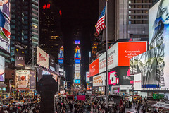 608 - New York - Times Square an Kreuzung Broadway und Seventh Avenue - 28.10.16-LR (JrgS13) Tags: aida aidadiva aufnahmebereiche indiansummer kreuzfahrt nachtaufnahmen newyorkcity nordamerika reise timessquare newyork usa