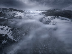 Cascadas de Niebla (sgsierra) Tags: la rioja ezcaray bn virado dron phantom vuelo v4 spain espaa niebla fog cascada