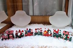 Christmas Train Heidi Kjeldsen Mill Street Oakham Rutland (@oakhamuk) Tags: oakhaminbloom oakham christmas shop window competition rutland