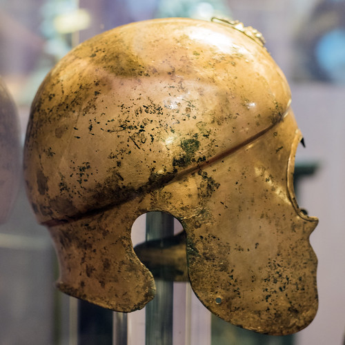 Bronze helmet from the Tomb of Seuthes III, 2