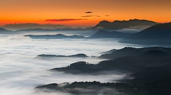 Mar de nubes (Alfredo.Ruiz) Tags: clouds sunrise canon amanecer nubes alava mardenubes aramaiona eos6d ef24105 alavavision