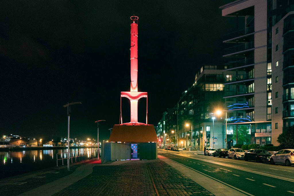 DUBLIN PORT DIVING BELL [AT NIGHT]-109126