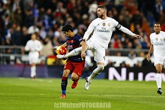 RMadrid vs Barcelona (Kwmrm93) Tags: madrid sports sport canon football fussball action soccer futbol futebol fotball voetbal clasico fodbold calcio deportivo fotboll  santiagobernabeu deportiva esport fusball  fotbal jalkapallo  nogomet elclasico fudbal sergioramos  ligaespaola ligabbva luissuarez votebol fodbal