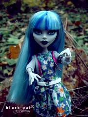 Ghoulia Yelps (seiya_mooncat) Tags: photo doll dolls photoshoot photos zombie mh mattel 2015 monsterhigh ghouliayelps osalina monsterhigh2015 fusioninspiredghoul